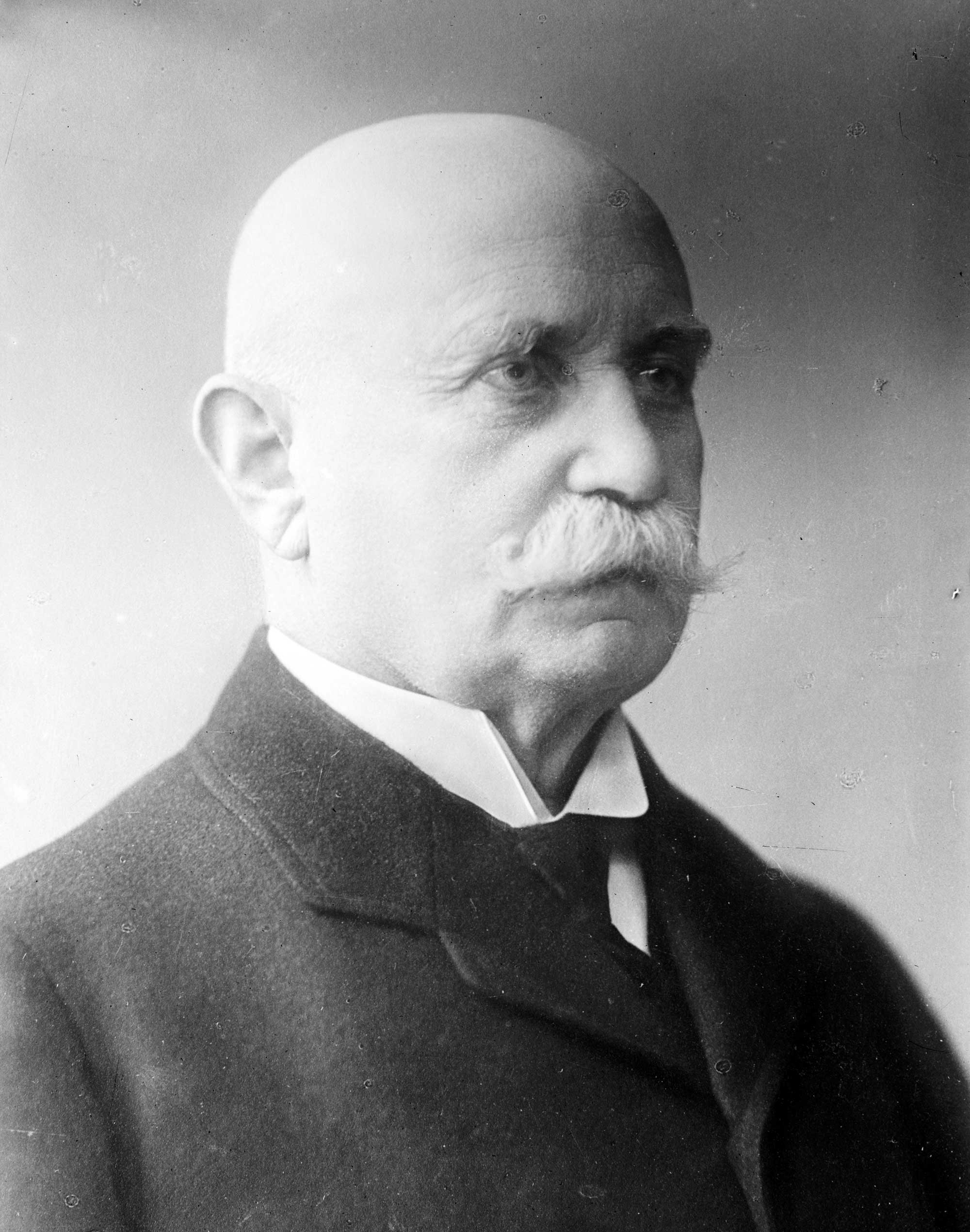 Count Ferdinand von Zeppelin Biography (1838-1917)